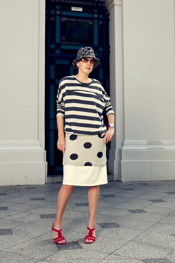 Have fun with black and white pattern mixing | 40plusstyle.com