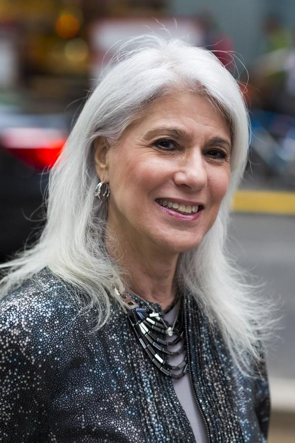 beautiful silver hair   40plusstyle.com