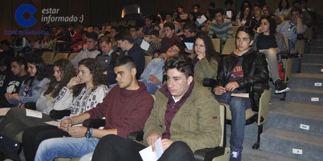Alumnos peñarandinos acudieron a la charla del El profesor José Ángel Domínguez Pérez, titulada «¿En qué piensan los matemáticos?»