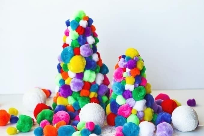 DIY Pom Pom Christmas Trees