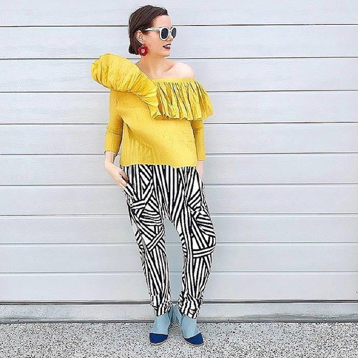 Mel wears geometric print pants | 40plusstyle.com