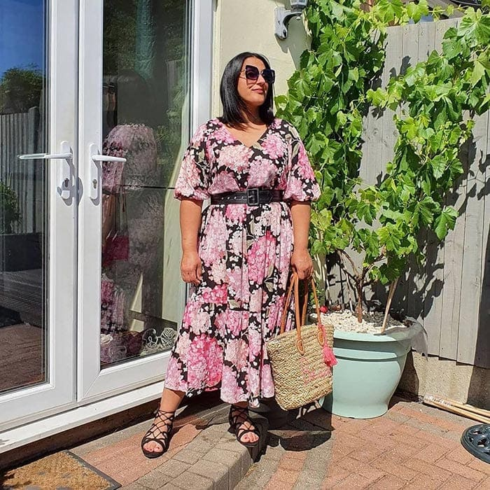 Jas in her summer outfit | 40plusstyle.com