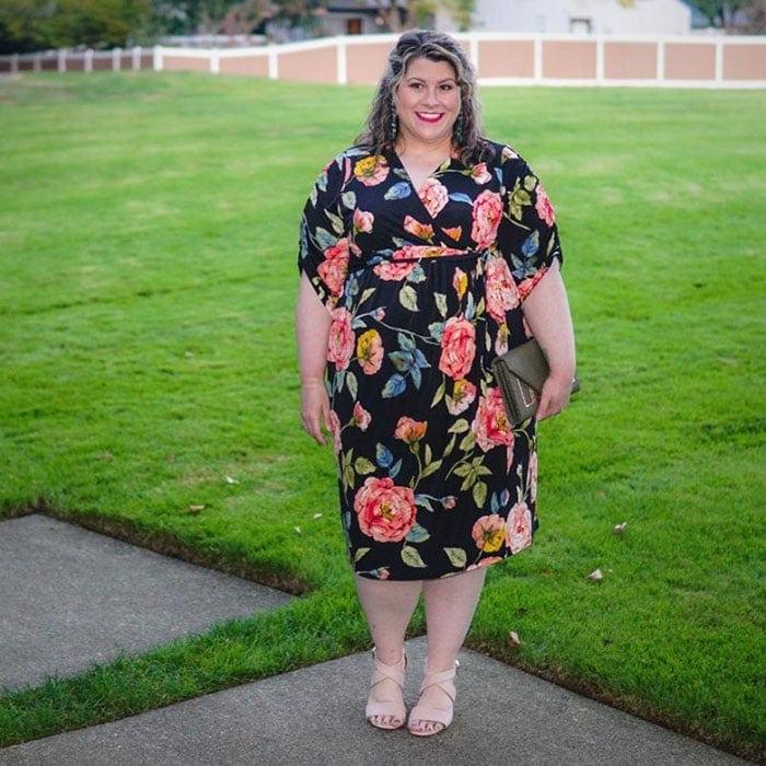 Dresses that hide belly bulge - Choose dresses that don't cling | 40plusstyle.com
