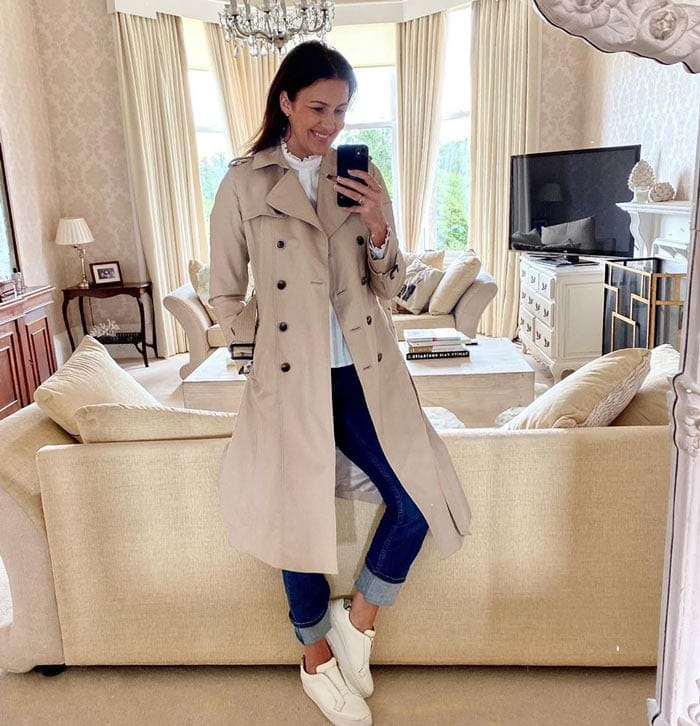 best coat styles for women - Julie wears a classic trench | 40plusstyle.com