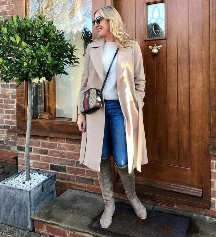 best winter coats for women - Sarah wearing an open-front coat | 40plusstyle.com