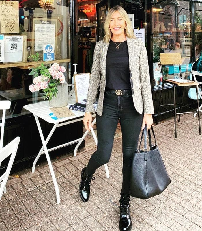 Sarah in an all-neutral outfit | 40plusstyle.com