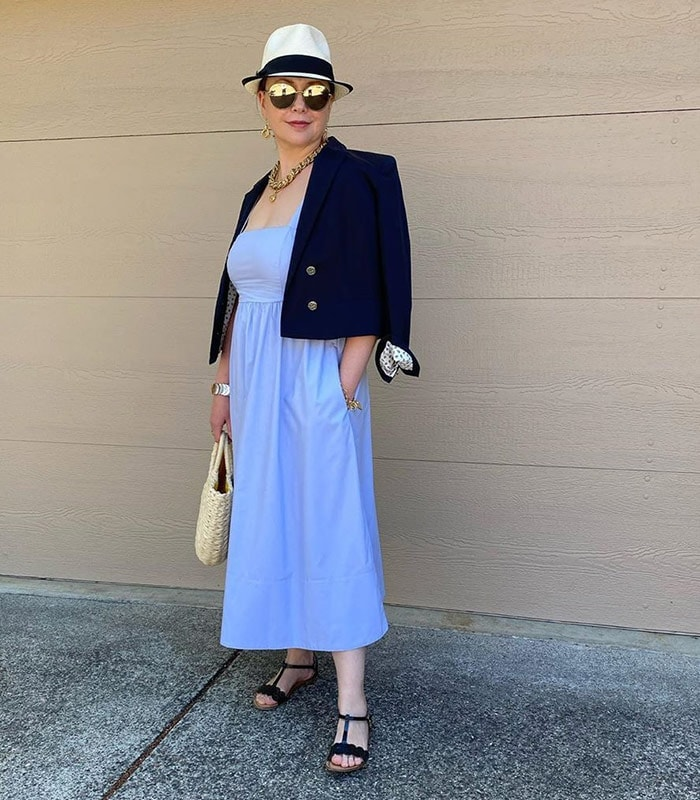 How to wear navy: Color palettes and styles to choose from | 40plusstyle.com
