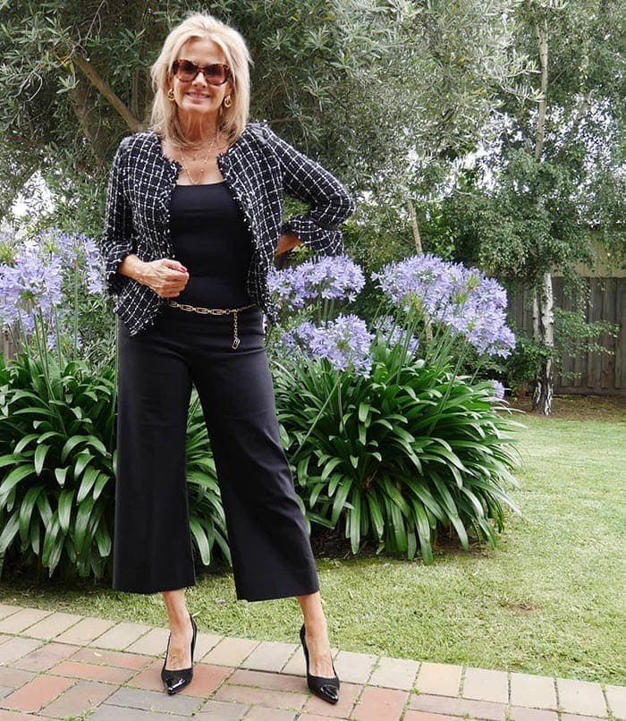 Italian fashion tips - Suzie n cropped pants and heels   40plusstyle.com