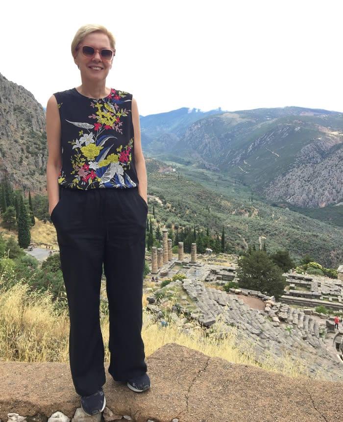 Black wide leg linen pants | 40plusstyle.com