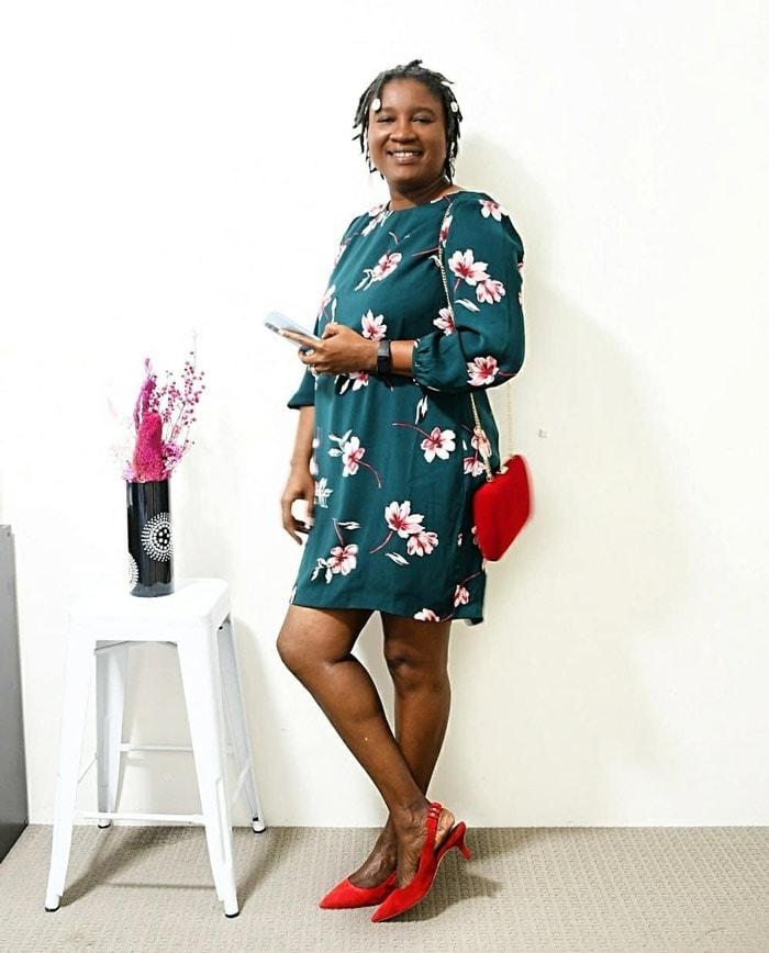 Elsie wears kitten heels with her summer dress | 40plusstyle.com