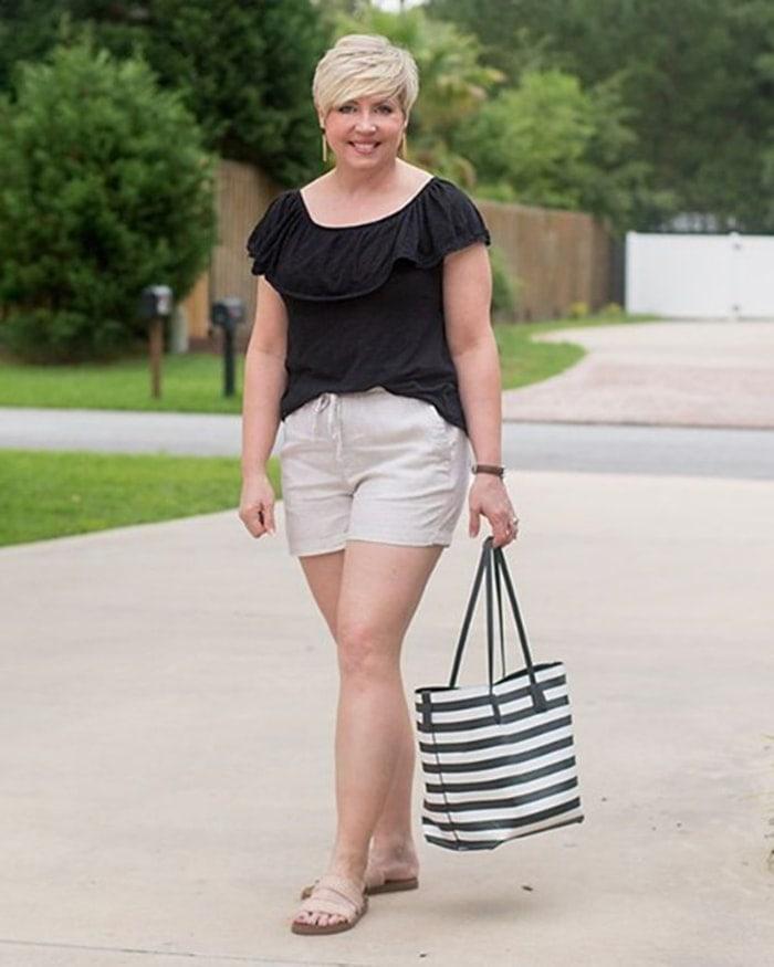 Best beach bags - Fonda carries a striped tote | 40plusstyle.com