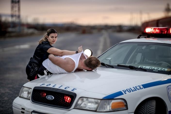 Verhaftung - Polizeifotoshooting in Erfurt mit Original NYPD Auto Canon EOSR & RF 85mm f/1.2L USM
