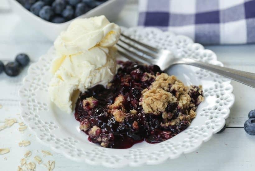 Quick & Easy Blueberry Crisp