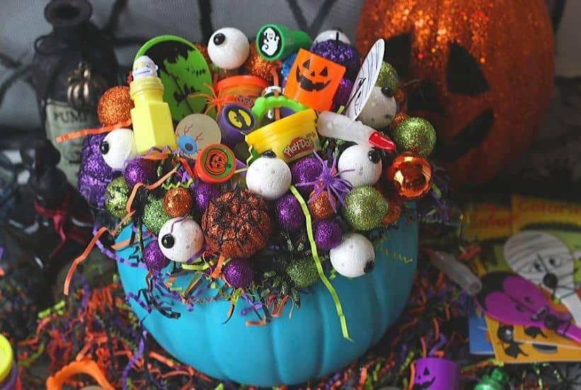 DIY Teal Pumpkin Treat Holder
