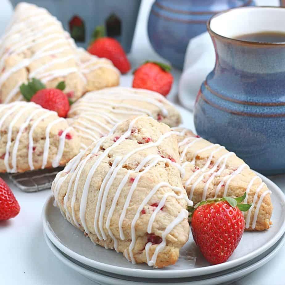 Easy strawberry scones