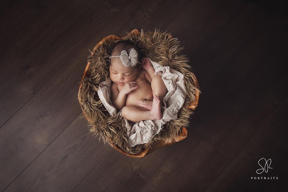Newborn Photo Shoot Leicester - baby in bucket