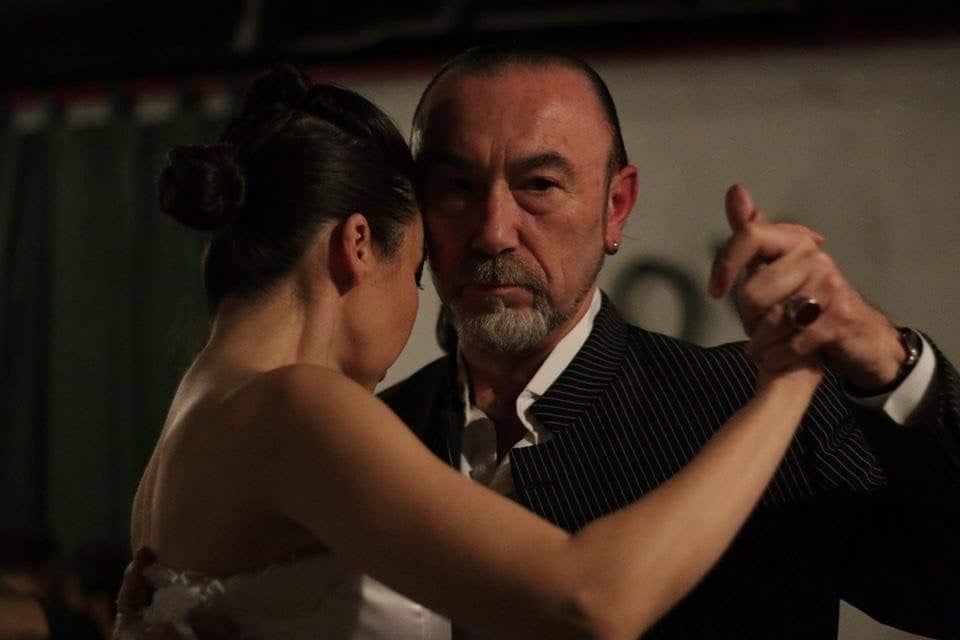 İzmir Tango Kursu dediğiniz zaman akla gelen yegane isim İzmir Tango Merkezidir.
