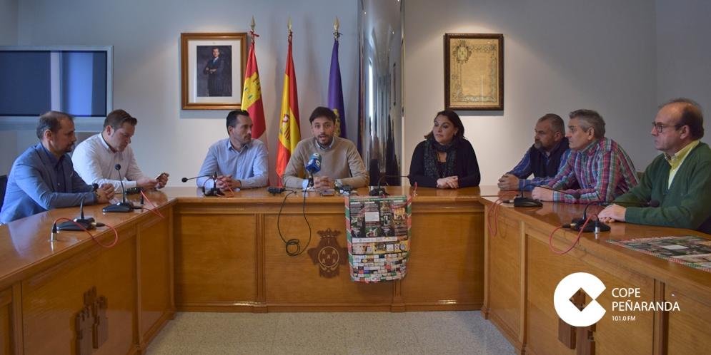 Organizadores y colaboradores de la X Feria de abril y I Feria del caballo presentaron este evento.