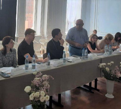 У студентов иконописного отделения семинарии в училище им. М.Б. Грекова прошла защита выпускных квалификационных работ