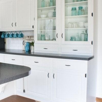 Black and White Farmhouse Kitchen Makeover