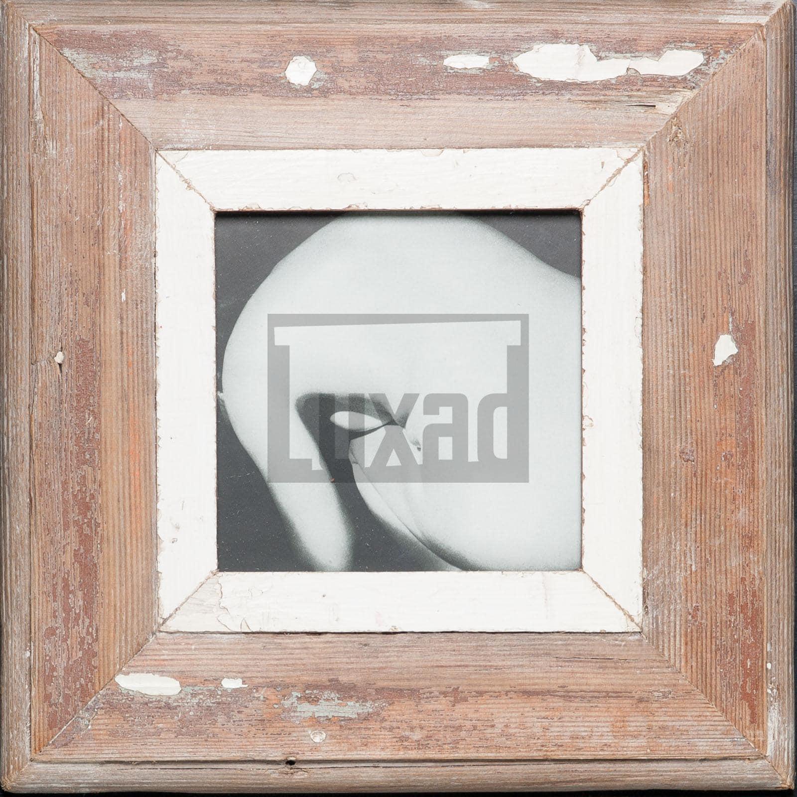 Quadratischer Bilderrahmen aus alten Holzleisten für ca. 14,8 x 14,8 cm große Fotos