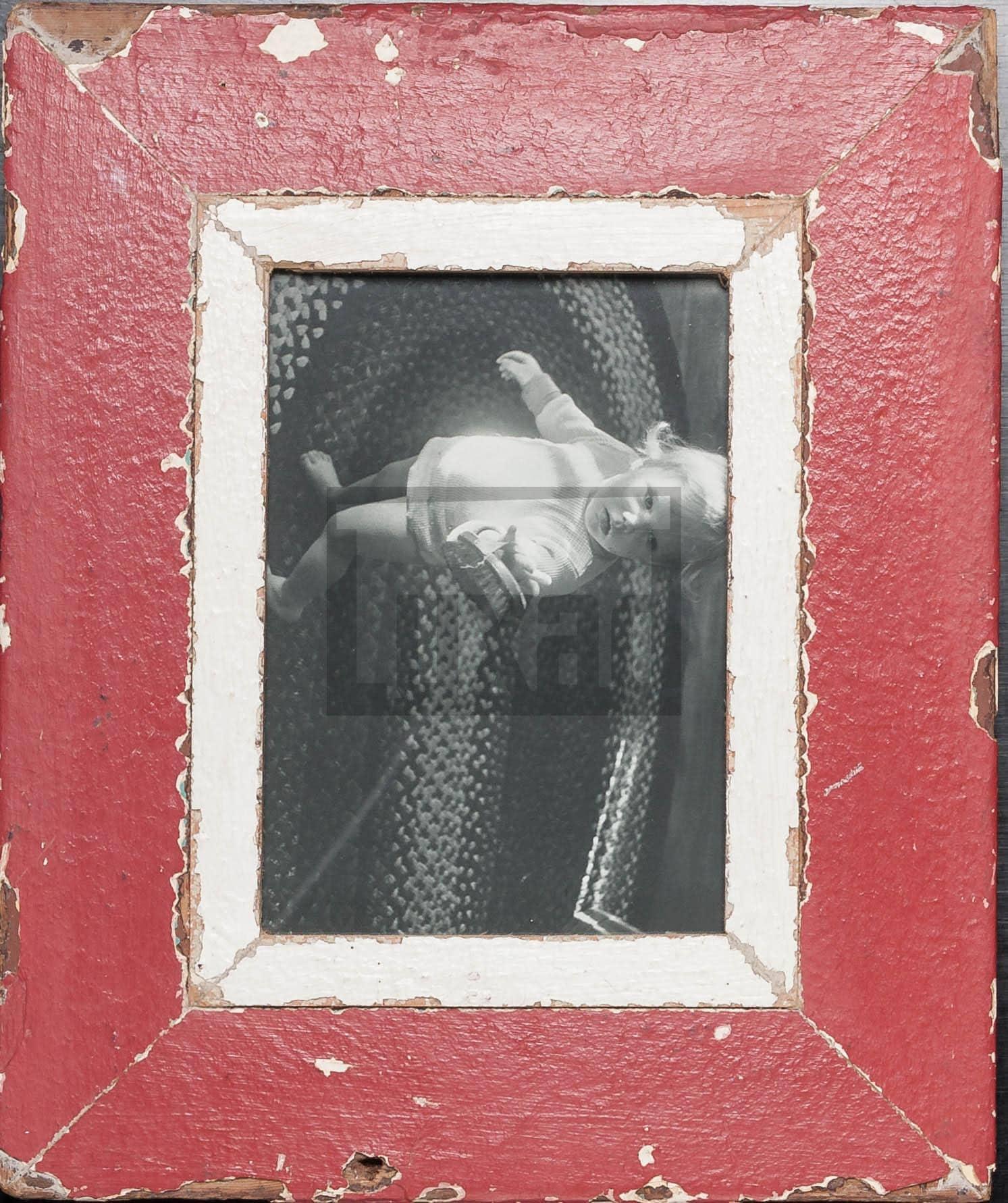 Roter Vintage-Bilderrahmen aus altem Holz für ca. 14,8 x 21 cm