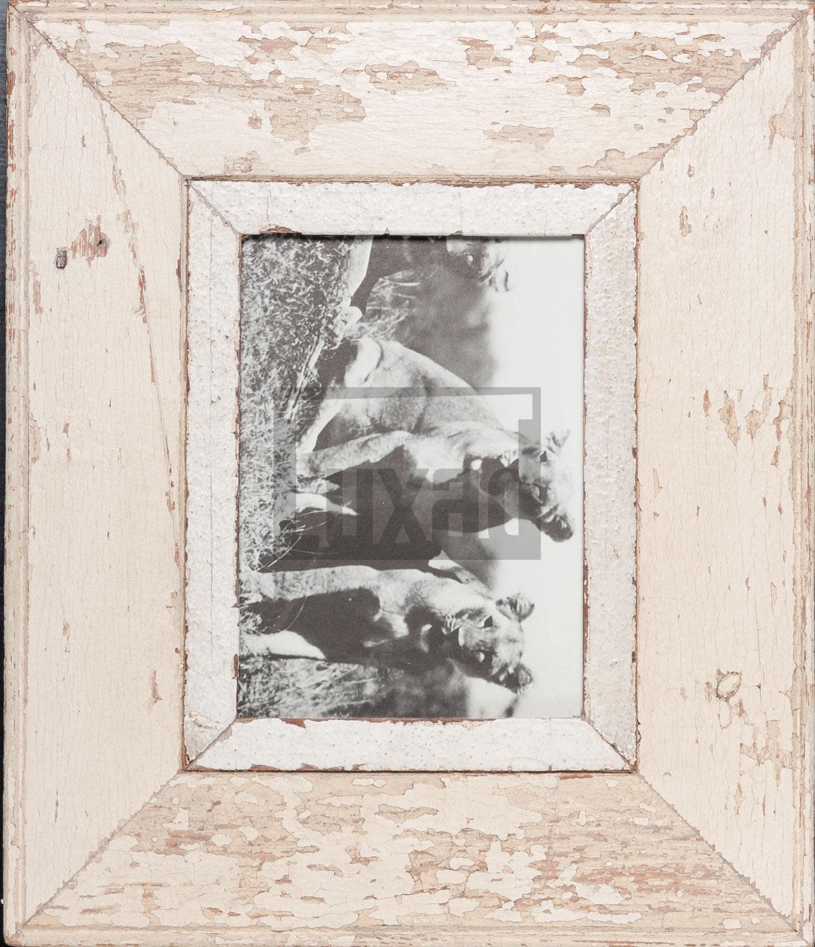 Wechselrahmen aus alten, breiten Holzleisten für dein Lieblingsfoto