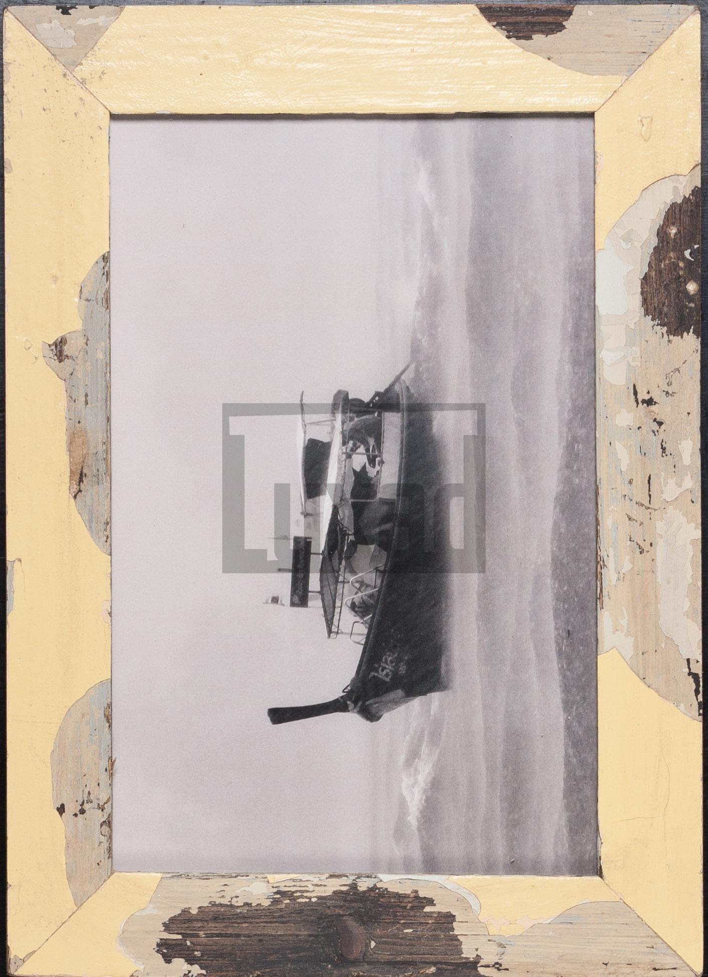 Gelber Vintage-Bilderrahmen für 25 x 38 cm große Fotos
