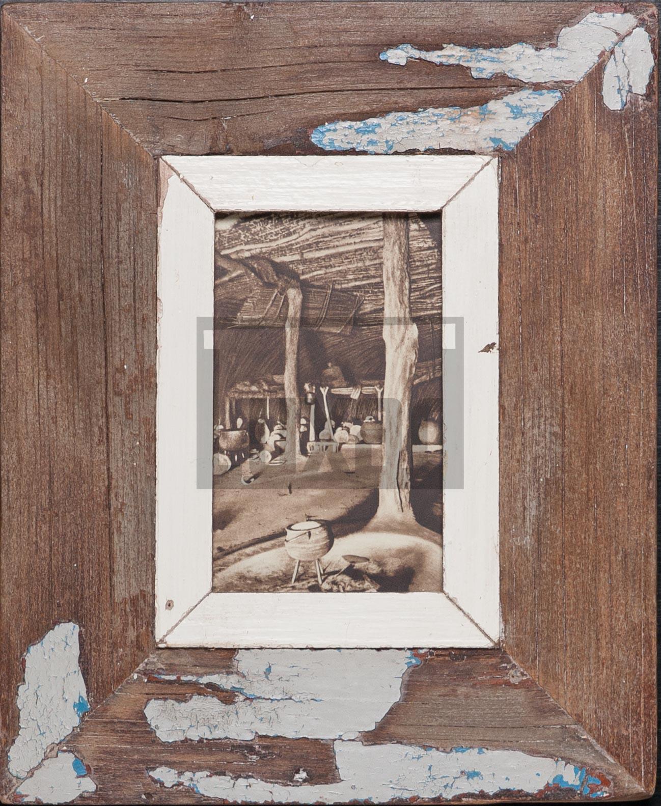 Vintage-Fotorahmen aus recyceltem Holz für kleine Fotos