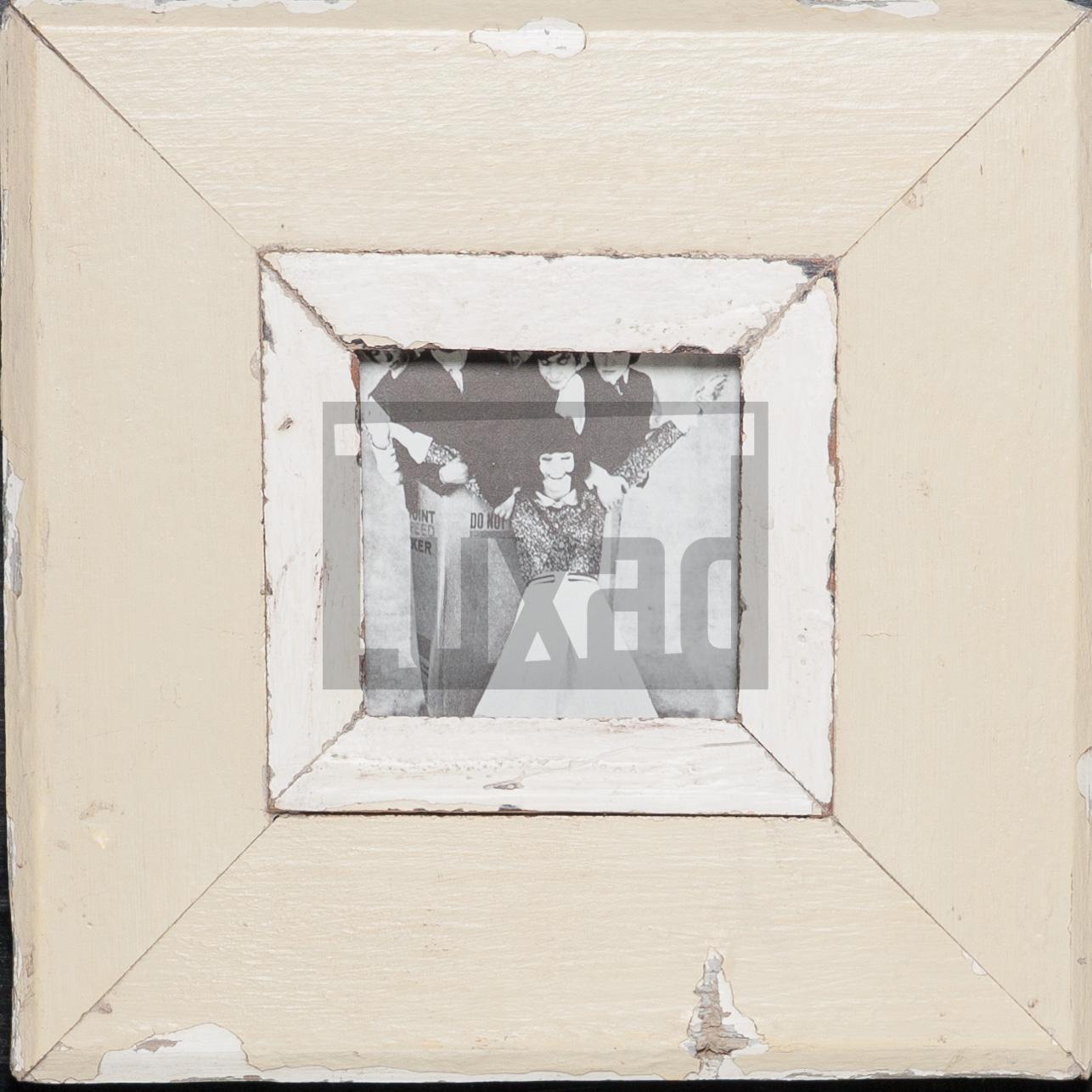 Quadratischer Wechselrahmen aus Altholz für ca. 10,5 x 10,5 cm