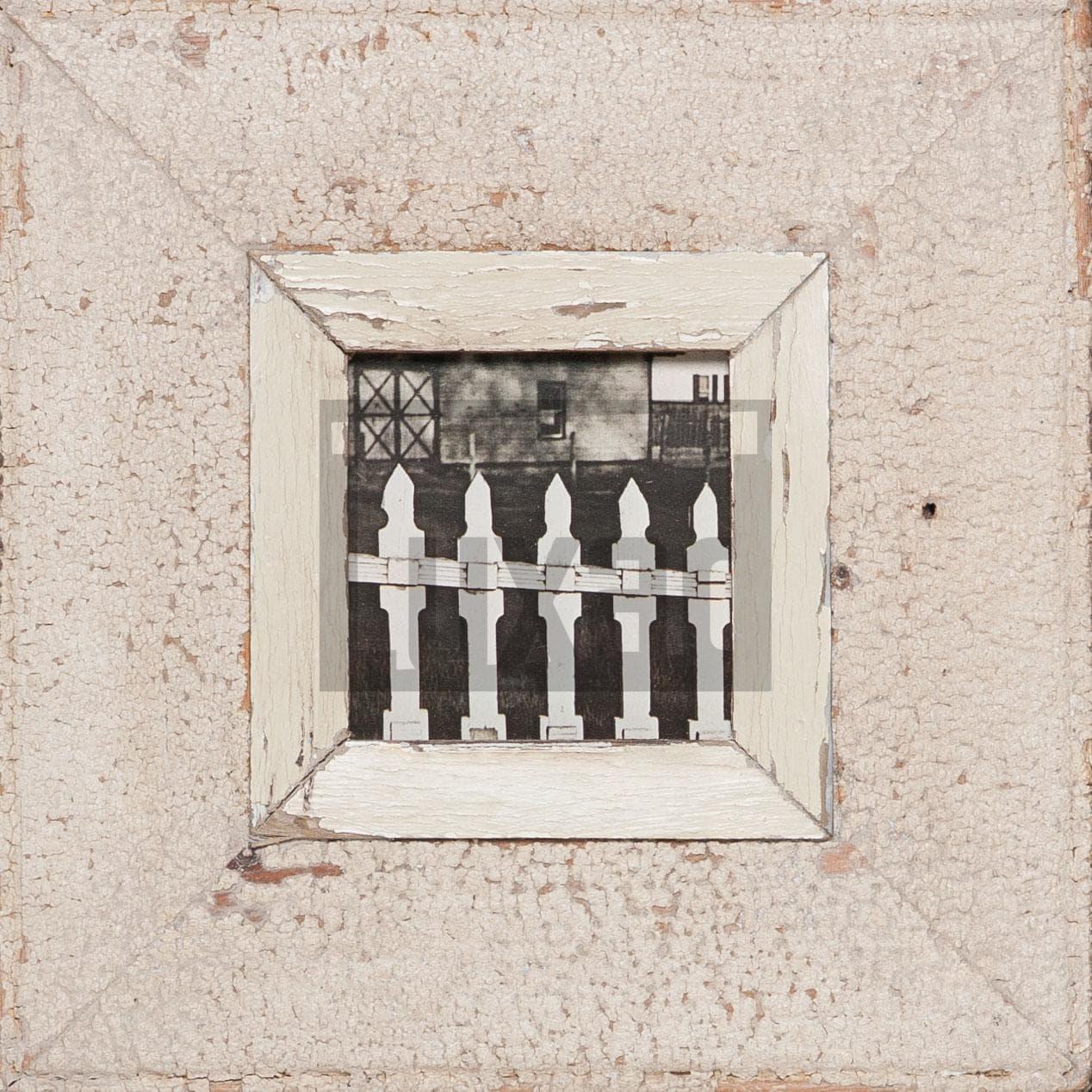 Quadratischer Altholz-Fotorahmen von der Luna Design Company