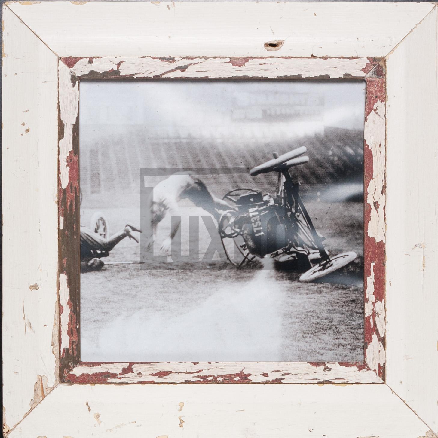 Quadratischer Altholz-Fotorahmen für quadratische 29,7 x 29,7 cm
