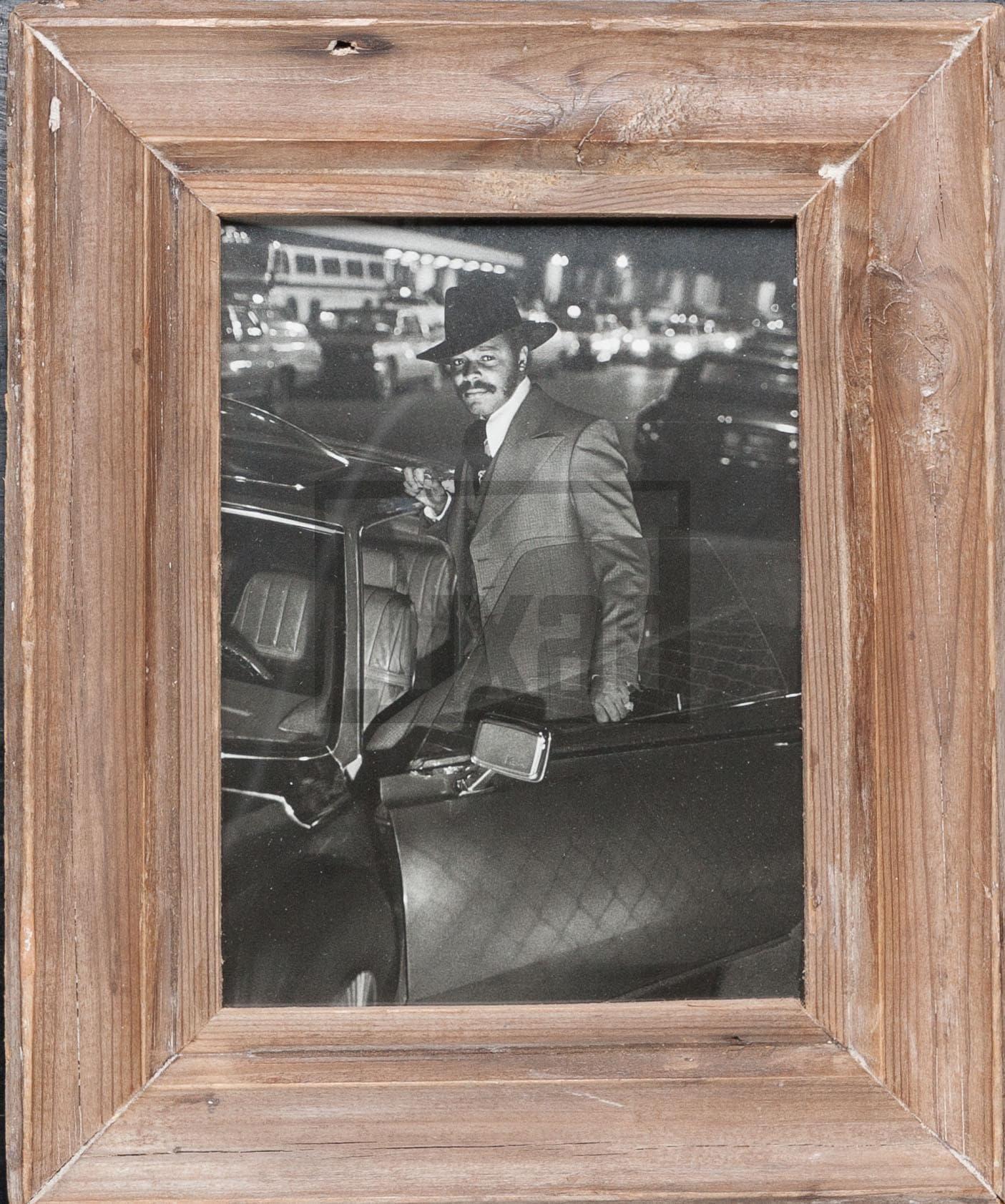 Bilderrahmen aus recyceltem Holz für Fotos 15 x 20 cm