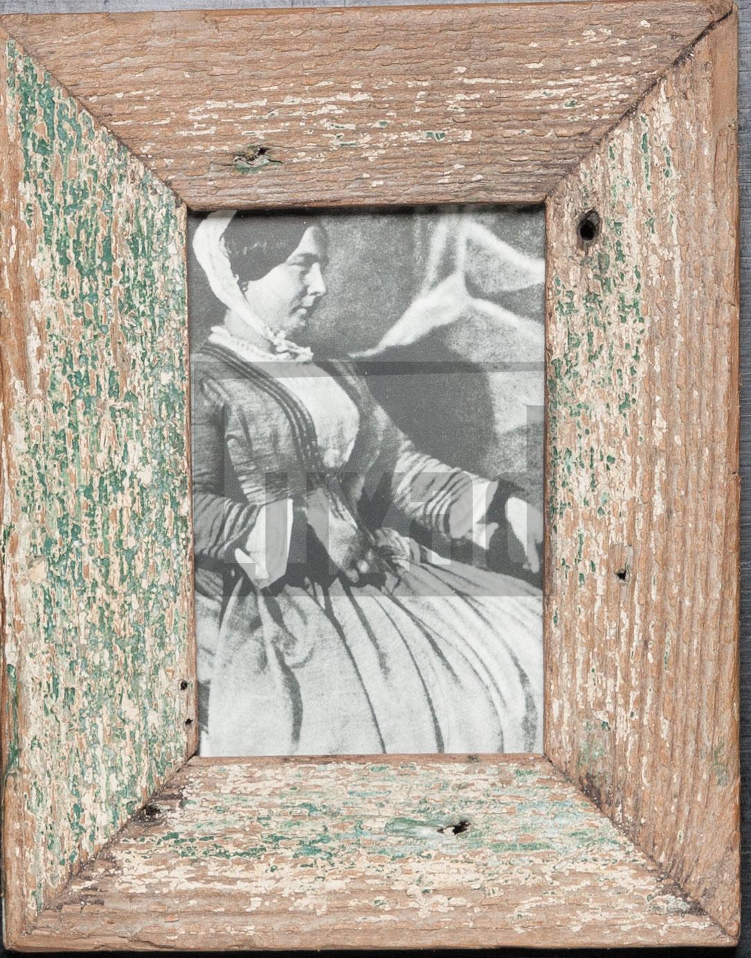 Vintage-Bilderrahmen aus altem Holz für 10 x 15 cm große Fotos