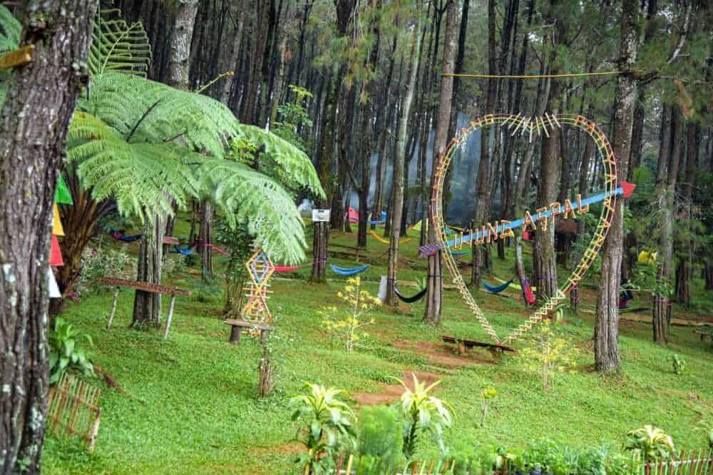 destinasi wisata Ujung Aspal di kecamatan kiarapedes