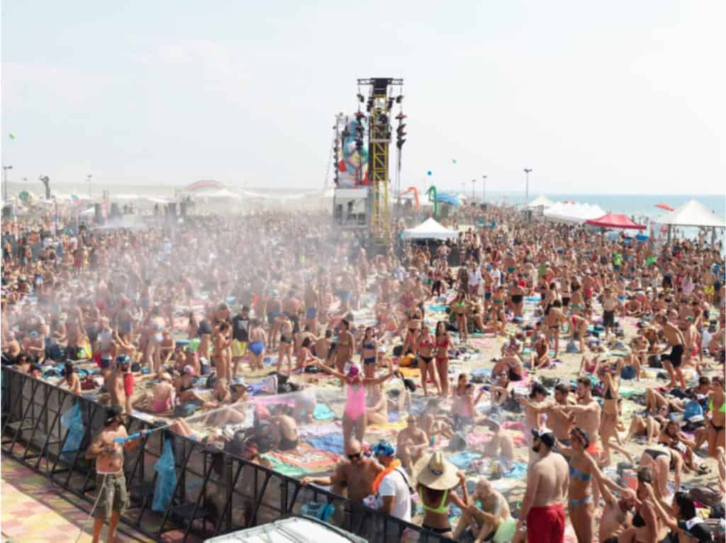 Massimo Vitali - Jova Beach Party Pink - 2019