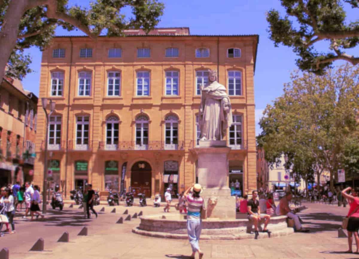 Séduire une femme à Aix-en-Provence et en faire son plan cul