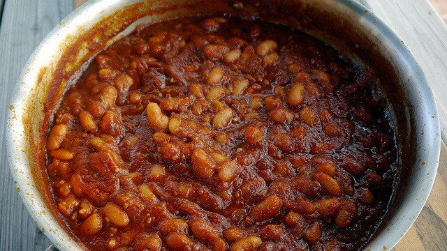 How-Beans-and-Legumes-Cause-Bloating-and-Flatulence