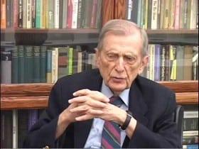 Le Docteur Stanley KRIPPNER est spécialiste de l'étude scientifique des rêves télépathiques