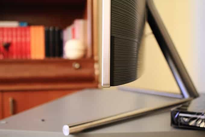 Diseño lateral Samsung QLED Q7F