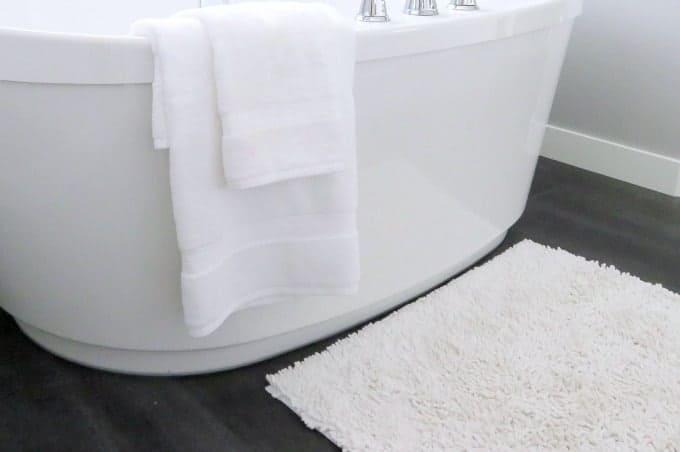 How To Wash Bathroom Rugs » Housewife