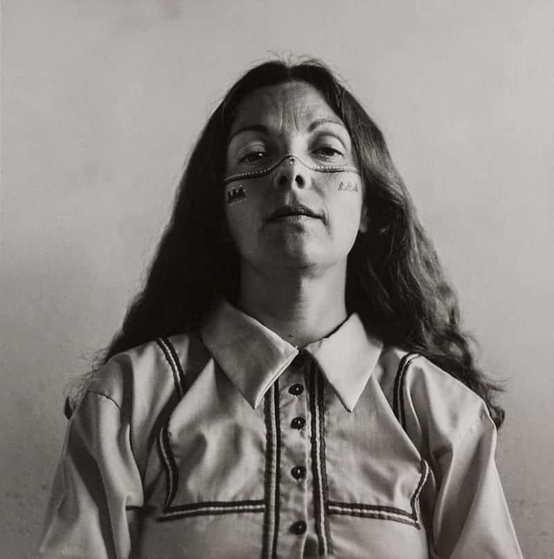 Graciela Iturbide, Autorretrato como Seri (Self-Portrait as Seri), Sonoran Desert, 1979