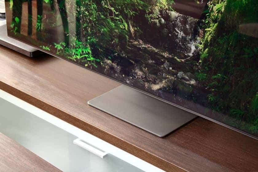 Diseño peana Samsung QN95A