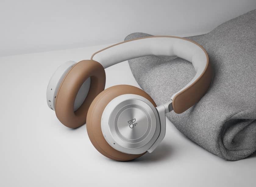 Auriculares Bang & Olufsen Beoplay HX con cancelación de ruido
