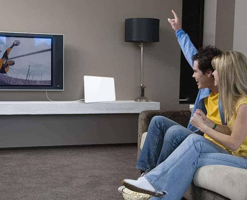 Antena de interior, para poder ver TV en habitación sin toma de antena