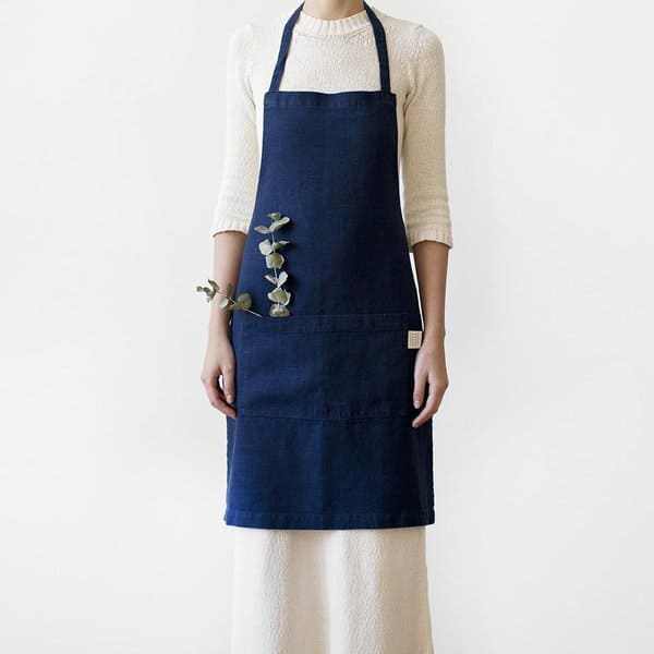 Navy Washed Linen Apron - Lithuania