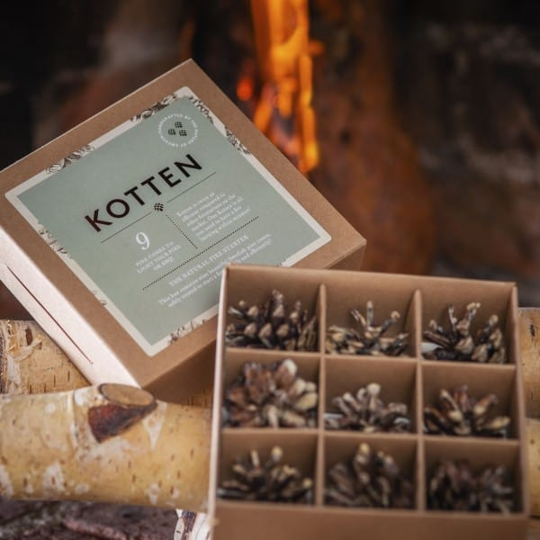 Gift box with 9 pine cone firestarters - Sweden