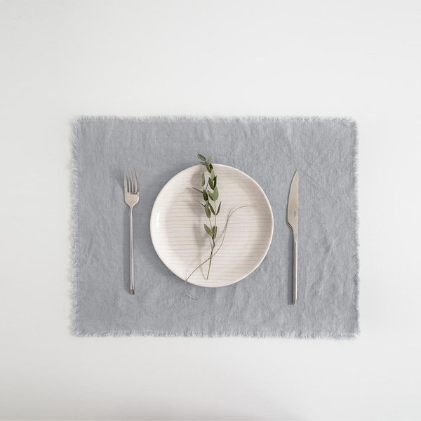 Light Grey Washed Linen Placemat With Fringes - Lithuania