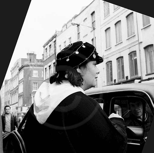Dawn French in Soho hailing a cab 1991