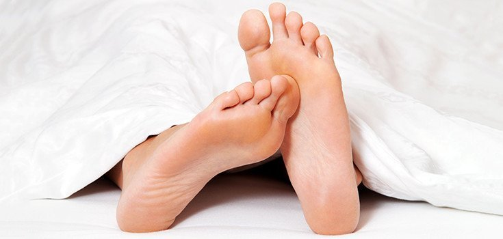 6 Tips on How to Stop Restless Legs Syndrome Naturally